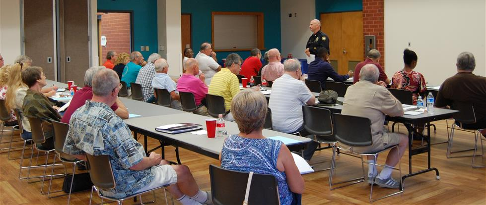 Chief Rinehimer speaks at Neighborhood Leaders Forum July 2015